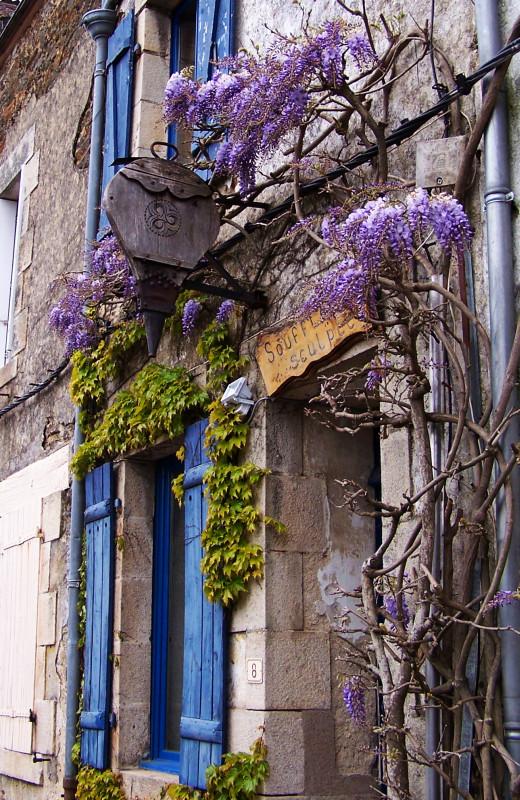 http://lorenzozo.free.fr/Bretagne_avril_2008/RochefortEnTerre_Enseigne_.jpg