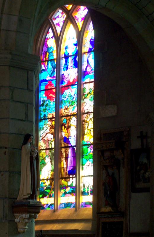 http://lorenzozo.free.fr/Bretagne_avril_2008/RochefortEnTerre_Vitrail.jpg
